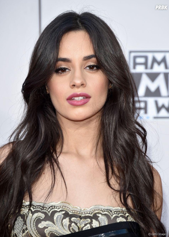 """Camila Cabello é criticada após anunciar Kim Petras como ato de abertura da """"The Romance Tour"""""""