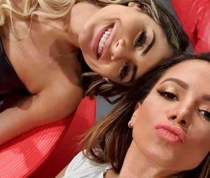 Anitta desmente boato que teria ficado com Lexa durante viagem em janeiro
