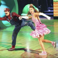 "Tema de ""Super Mario Bros."" enche de alegria a final de ""Dancing With The Stars"""