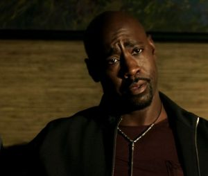 """Lucifer"":Amenadiel (D. B. Woodside) será o responsável por tirar Lucifer (Tom Ellis) do Inferno?"
