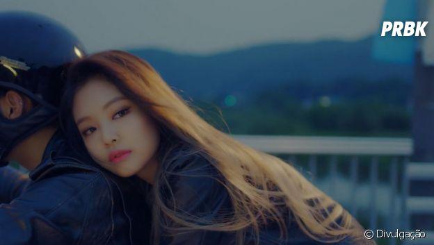 "BLACKPINK: relembre o visual da Jennie na era ""Playing With Fire"""
