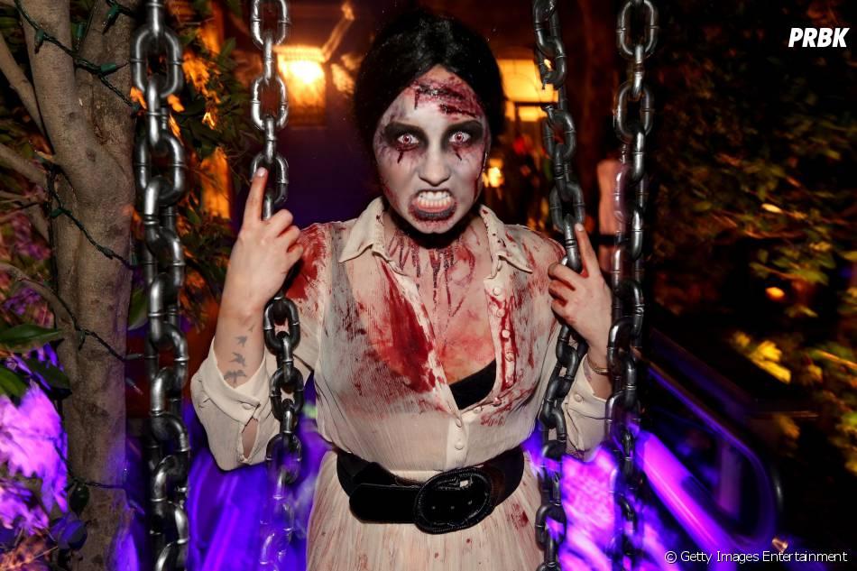 """Demi Lovato se fantasiou para curtir sua festa de Halloween antes do lançamento de """"Neon Lights"""""""