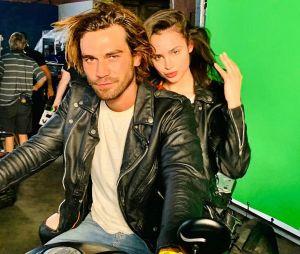 """""""Songbird"""": tudo o que você precisa saber sobre o novo filme protagonizado por KJ Apa e Sofia Carson"""