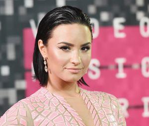 """Em parceria com Marshmello, Demi Lovato lança """"Ok Not To Be Ok"""", música que fala sobre saúde mental"""