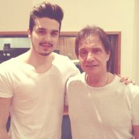 Luan Santana ensaia com Roberto Carlos e mostra ansiedade para especial da Globo! #Fofo