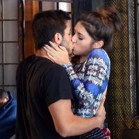 """Novela """"Malhação"""": Jade perde concurso e vai se consolar com Cobra (Felipe Simas)"""
