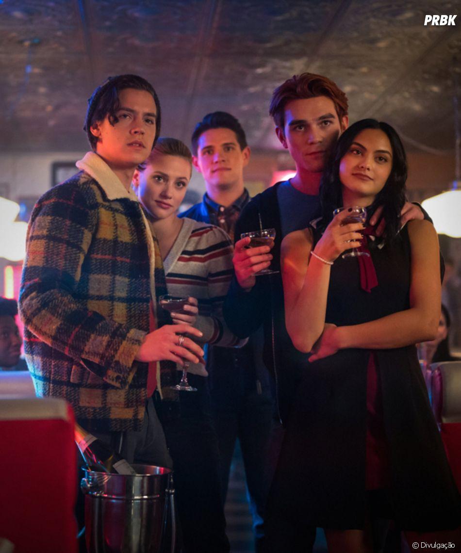 """CW confirma, mais uma vez, que 5ª temporada de """"Riverdale"""" volta apenas em agosto de 2021"""