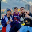 """Arón Piper, de """"Elite"""", está gravando parceria com MC Hollywood e MC Fioti durante passagem pelo Brasil"""