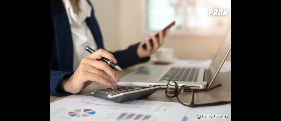 A primeira dica para controlar a grana e economizar é começar a anotar e calcular sua renda e seus gastos