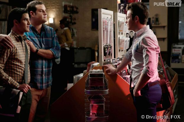 """Em """"Glee"""", Kurt (Chris Colfer) se decepciona ao ver Blaine (Darren Criss) e Karofsky (Max Adler) juntos"""