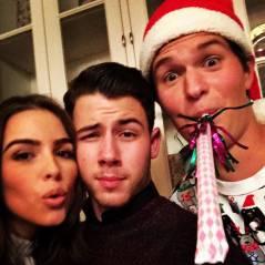 """Nick Jonas lança cover da música natalina """"I'll Be Home For Christmas"""" de Elvis Presley!"""