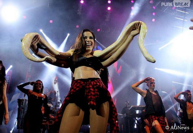 """Anitta recriou uma apresentação de """"I'm a Slave 4 U"""", da Britney Spears, no """"Chá das Divas"""""""