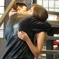"""Novela """"Malhação"""": Bianca (Bruna Hamú) deixa Duca (Arthur Aguiar) irritado ao beijar João!"""
