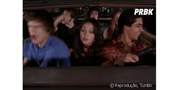 Ir no colo quando o carro tá lotado