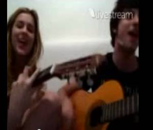 """Chay Suede e Sophia Abrahão em """"Rapadura é doce mas não é mole não"""""""