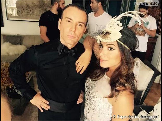 Anitta publicou foto e vídeo do making off da nova sessão de fotos para a revista Glamour