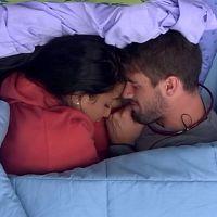 """No """"BBB15"""": Talita e Rafael se beijam muito, Aline revela que já ficou com Luan Santana e mais!"""