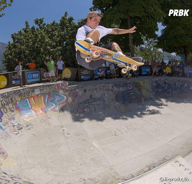 O skatista Pedro Barros em treino para o mundial Skate Bowl no Rio de Janeiro