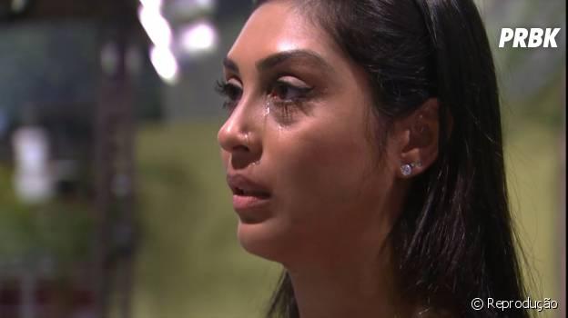 """No """"BBB15"""", Amanda chorou muito quando soube de Fernando e Aline"""