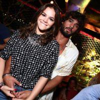Bruna Marquezine e Marlon Teixeira, assumidíssimos, badalam e posam juntos no Rio de Janeiro