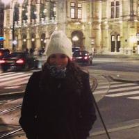 """Tadinha gente! Bruna Marquezine passa frio na Áustria: """"Pensa em uma pessoa com frio"""""""
