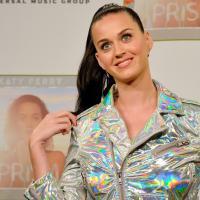 "Katy Perry anuncia primeiras datas para a turnê ""PRISMATIC"" no Reino Unido"
