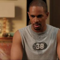 "Em ""New Girl"": Na 4ª temporada, Coach (Damon Wayans Jr.) resolve ir embora de vez!"