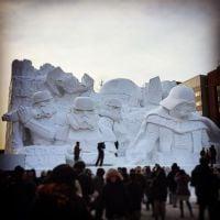 """Personagens de  """"Star Wars"""" ganham escultura de gelo e fazem sucesso no Japão!"""