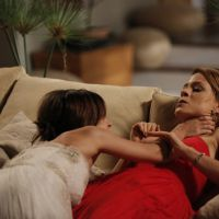 """Reta final de """"Império"""": Maria Clara (Andreia Horta) e Cristina (Leandra Leal) saem no tapa!"""
