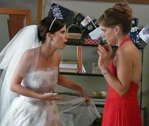 """Em """"Império"""", Maria Clara (Andreia Horta) discute feio com Cristina (Leandra Leal)"""