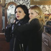"""Em """"Once Upon a Time"""": Na 4ª temporada, amizade entre Emma e Regina fica cada vez mais forte"""