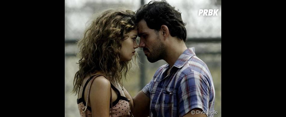 """No filme """"Serra Pelada"""", Sophie Charlotte se envolve com o personagem de Juliano Cazarré"""