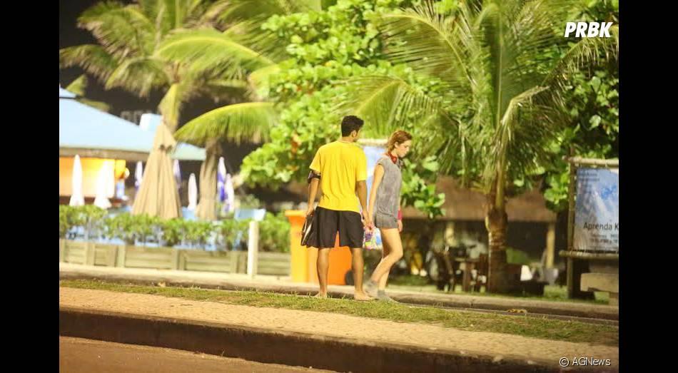 Sophia Abrahão leva o amado Sérgio Malheiros para longe dos olhares do paparazzo, após serem fotografos na maior intimidade