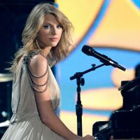 Taylor Swift libera suas músicas para app do Jay-Z e compra sites pornográficos! Entenda!