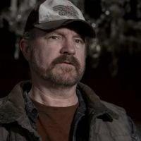 """Em """"Supernatural"""": na 10ª temporada, Bobby (Jim Beaver) está de volta para ajudar Sam!"""