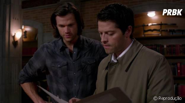 """Sam (Jared Padalecki) e Castiel (Misha Collins) vão precisar de uma ajuda do além em """"Supernatural"""""""
