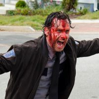 "Em ""The Walking Dead"": No final da 5ª temporada, produtora garante morte triste de personagem!"