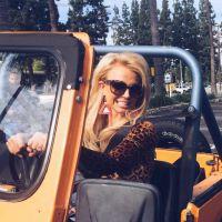 """Britney Spears e Iggy Azalea em """"Pretty Girls"""": Cantora publica foto de clipe com a rapper!"""
