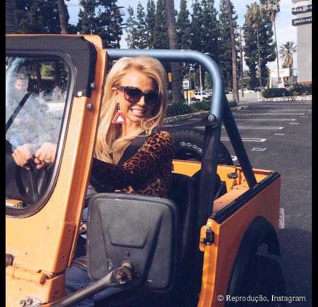 """Britney Spears e Iggy Azalea em """"Pretty Girls"""": Cantora compartilha foto de clipe com a rapper"""