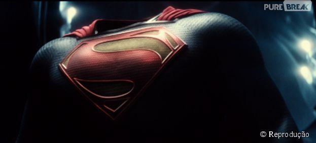 """Primeiro teaser de """"Batman V Superman: A Origem da Justiça"""" divulgado no Twitter, leva fãs à loucura!"""