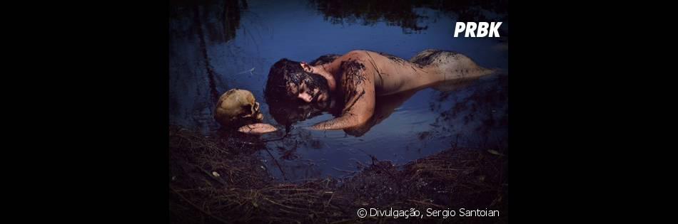 Kiko Pissolato posa nu para as lentes do fotógrafoSergio Santoian