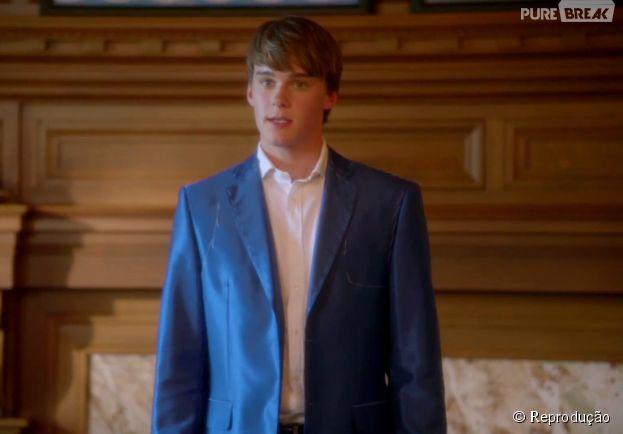 """Em """"Descendentes"""", o Príncipe Ben (Mitchell Hope) é o mocinho e filho de Bela (Keegan Connor Tracy)"""