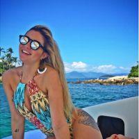 """Aline, do """"BBB15"""", mostra nova foto de final de semana em praia paradisíaca"""