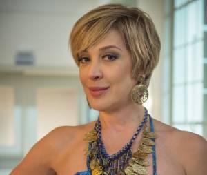 "Samantha (Claudia Raia) está envolvida no mistério sobre a mãe de Laura (Nathalia Dill) na novela ""Alto Astral"", da Globo"