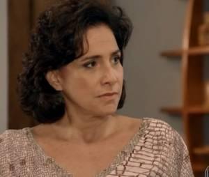 """Adriana (Totia Meirelles) é condenada a 30 anos de prisão por dois crimes na novela """"Alto Astral"""", da Globo"""