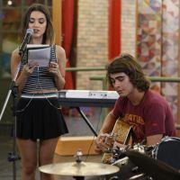 """Em """"Malhação"""": Pedro (Rafael Vitti) faz dueto com Vicki (Manu Gavassi) para apresentar seu novo hit!"""