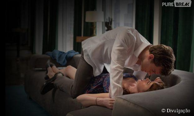 """Casal hot em """"Cinquenta Tons de Cinza"""", Jamie Dornan e Dakota Johnson bem que podiam assumir um romance, né?"""