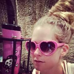 """Avril Lavigne se recupera de doença e revela futuro da carreira: """"Tenho projetos no cinema"""""""