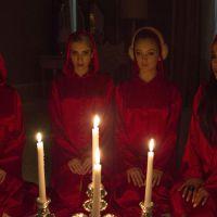 """Em """"Scream Queens"""": Emma Roberts divulga data de estreia da série com Ariana Grande e Nick Jonas!"""