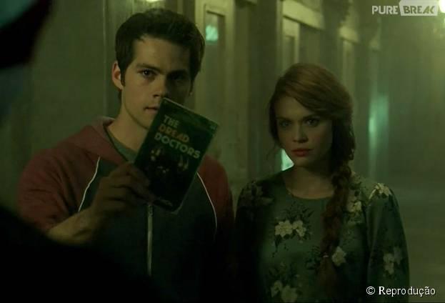 """Em """"Teen Wolf"""", Stiles (Dylan O'Brien) e Lydia (Holland Roden) chegaram mais perto do que os Doutores são"""